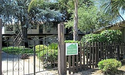 Community Signage, 8162 Kelton Dr, 1