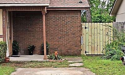 Building, 5425 Lance St, 1