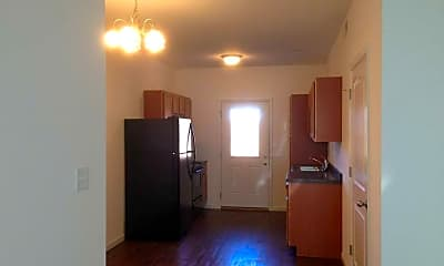 Pinecrest Apartments, 1