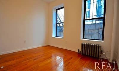 Bedroom, 177 Thompson St, 2