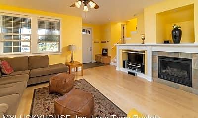 Living Room, 918 SW Vantage Point Way, 0
