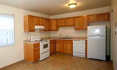 Avery Glen Apartment Homes, 1