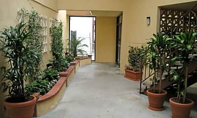 Building, 3338 Redondo Beach Blvd, 1