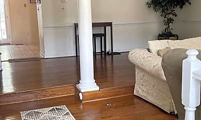 Living Room, 46502 Lynnhaven Square, 1