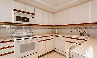 Kitchen, 155 N Harbor Dr, 2