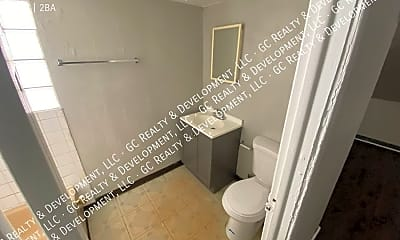 Bathroom, 10817 S Prairie Ave, 2