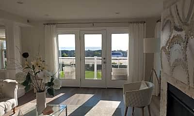 Living Room, 1647 Ocean Blvd, 2