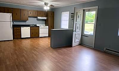 Living Room, 600 Crestview Dr, 2