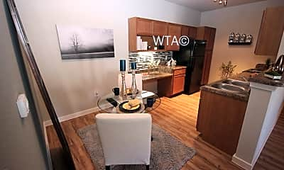 Dining Room, 6831 Alamo Pkwy, 1