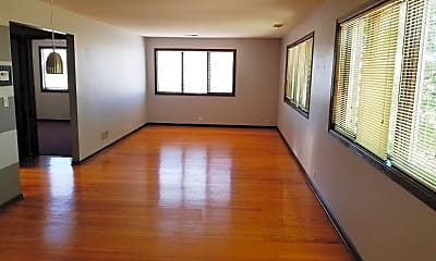 Living Room, 6139 W Touhy Ave 2F, 1