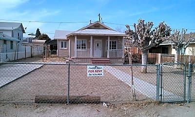 Building, 617 Tyler St, 0