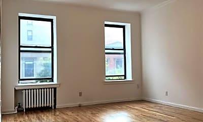 Living Room, 135 E 92nd St, 1