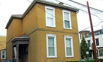 Building, 513 S Lazelle St, 2