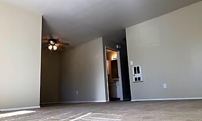 Living Room, 1386 Oakdale Ave, 1