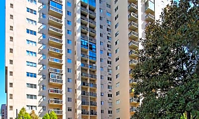 Building, 1211 S Eads St 810, 1