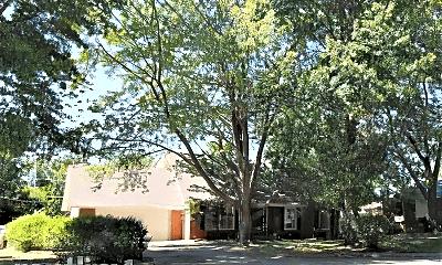 Building, 708 E Meadowlark Cir, 2