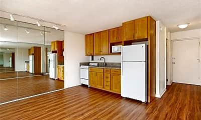 Kitchen, 1650 Kanunu St 807, 1
