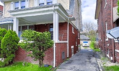 Building, 2680 Burlingame St, 1