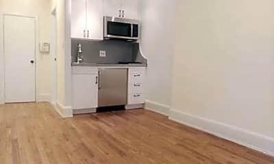 Kitchen, 76 Charles St H, 1