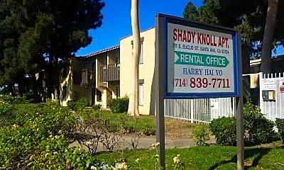 Shady Knoll, 0