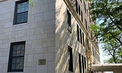 Building, 6101 N Sheridan Rd, 2