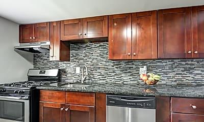 Kitchen, Westerville Park Apartments, 1