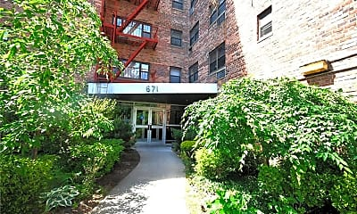 Building, 671 Bronx River Rd 4H, 0