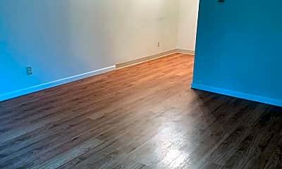 Bedroom, 110 W Lakeland Rd, 1