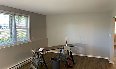 Living Room, 2022 Lawrence Ave, 1