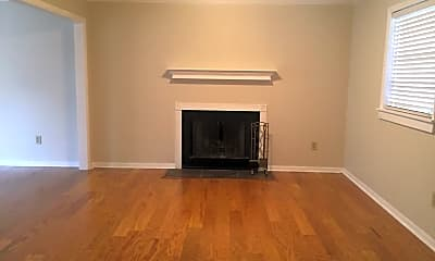Living Room, 812 Reid School Rd, 1