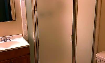 Bathroom, 832 Hawthorne St, 2