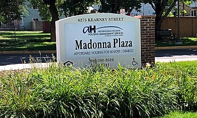 Madonna Plaza, 1
