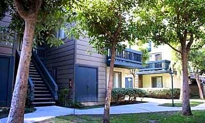 Lifestyle Apartments, 2