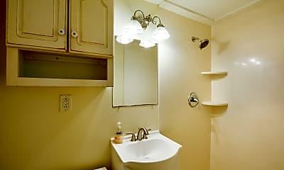 Bathroom, 132 Logan St A, 2