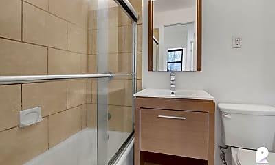 Bathroom, 309 W 29th St #2R, 2