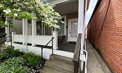 Patio / Deck, 285 E Whittier St, 1