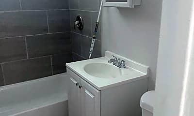 Bathroom, 847 W 84th St, 2