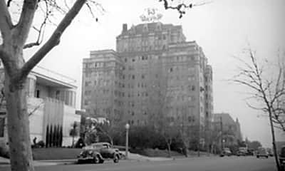 Building, 450 N Rossmore Ave 601, 2