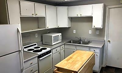 Kitchen, 1305 Kenton St, 2