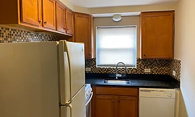 Kitchen, 1711 W Estes Ave 1S, 1