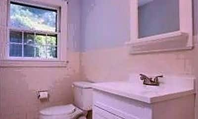 Bathroom, 22 High St, 2