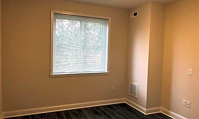 Bedroom, 512 S 17th St, 2