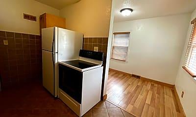 Kitchen, 1114 Byron Ave, 1