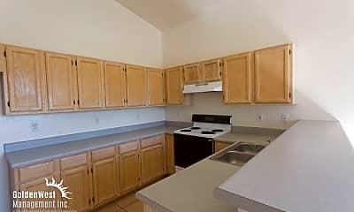 Kitchen, 1031 N Sparrow Dr, 1