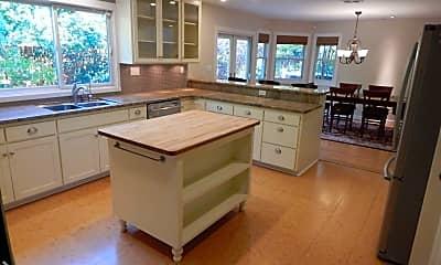 Kitchen, 1118 Maple Ln, 1
