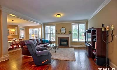 Living Room, 641 Peach Orchard Pl, 1