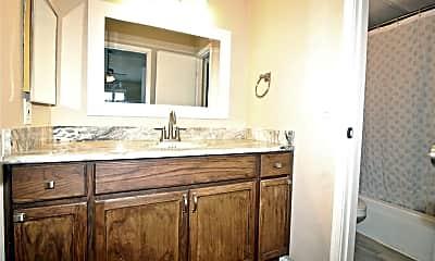 Bathroom, 12550 Whittington Dr 506, 2