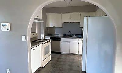 Kitchen, 2131 Hillcrest Dr, 1