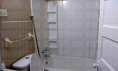 Bathroom, 429 Belle Ave, 2
