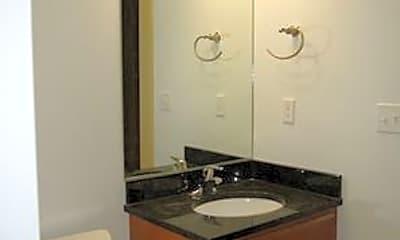 Bathroom, 4041 Chouteau Ave, 2